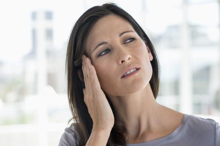 Как правильно капать капли в уши. Как правильно закапывать уши? Правила применения ушных капель